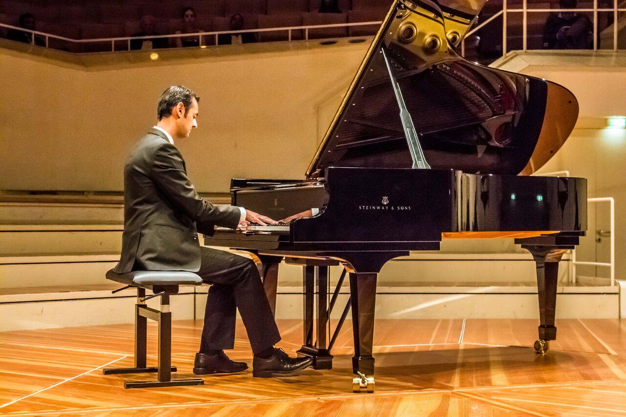 El pianista Andy Tallent entrevista a Óscar Pascasio
